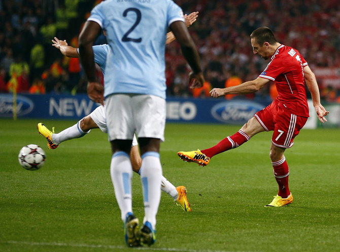 Bayern Munich's Ribery shoots to score during their Champions League soccer match against Manchester City at the Etihad Stadium in Manchester